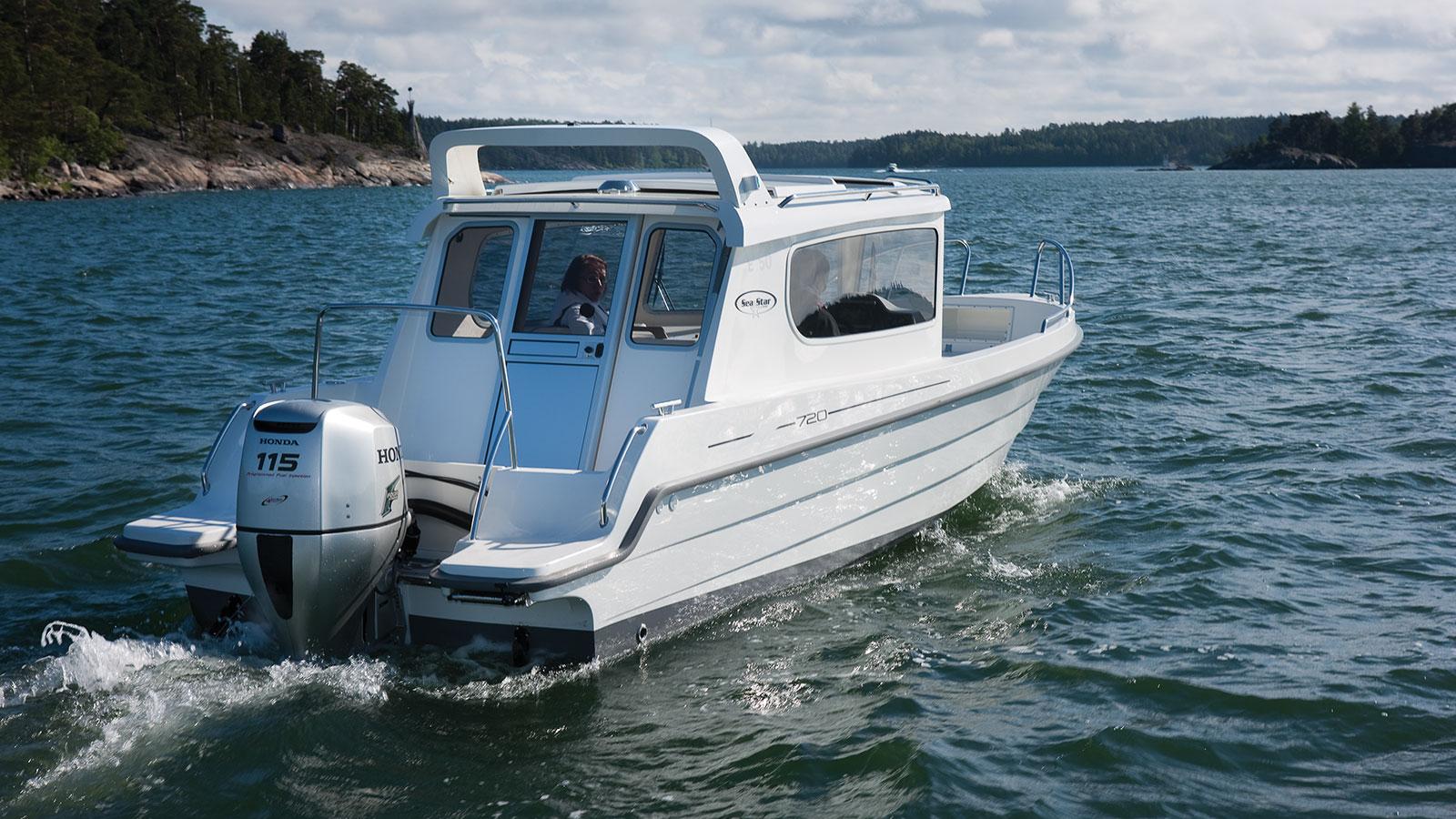łódź zsilnikiem 115 KM