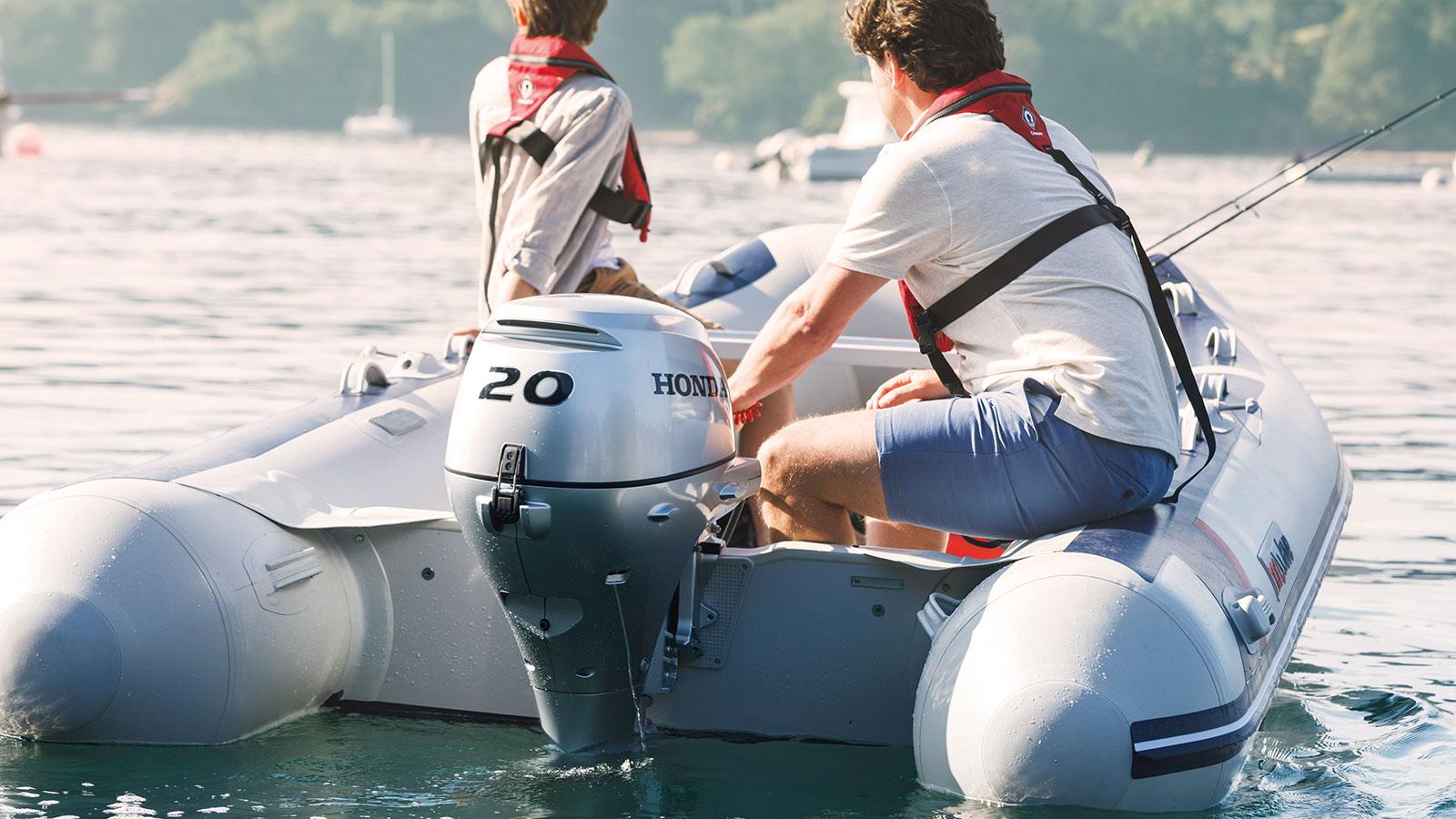 ponton zsilnikiem zaburtowym 20 KM